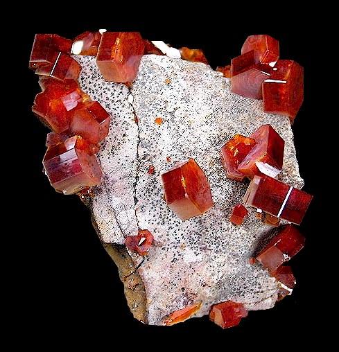 Fossiles descloizite-vanadinite Maroc  Denver2008-46vanadinite